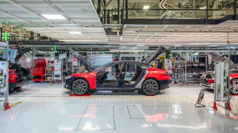 Çip Krizi Tesla'yı de Vurdu: Çin'de Üretim Durdurulmuş