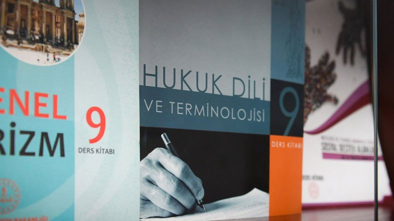 Mesleki Ders Kitapları Artık Ücretsiz Dağıtılacak