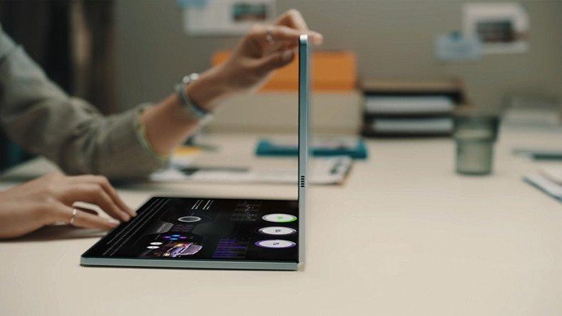 Samsung, Katlanabilir Ekranları Laptoplara Getirebilir