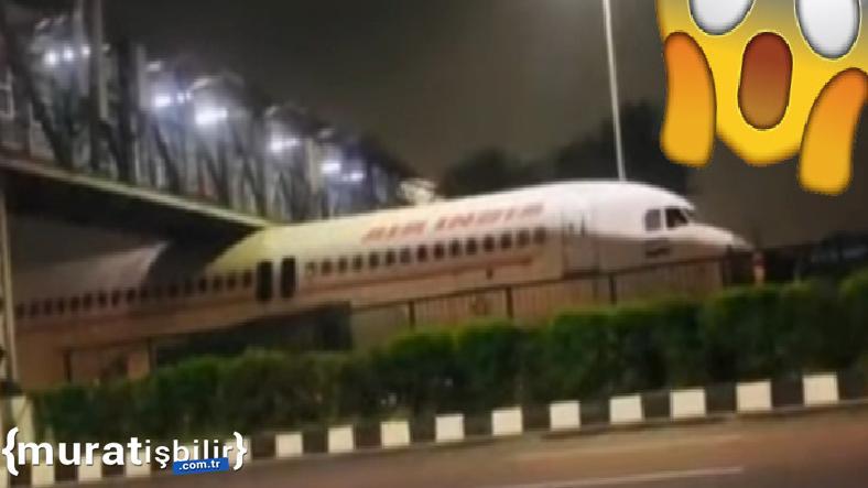 Bir Uçağın Köprüye Sıkışması Sosyal Medyada Viral Oldu