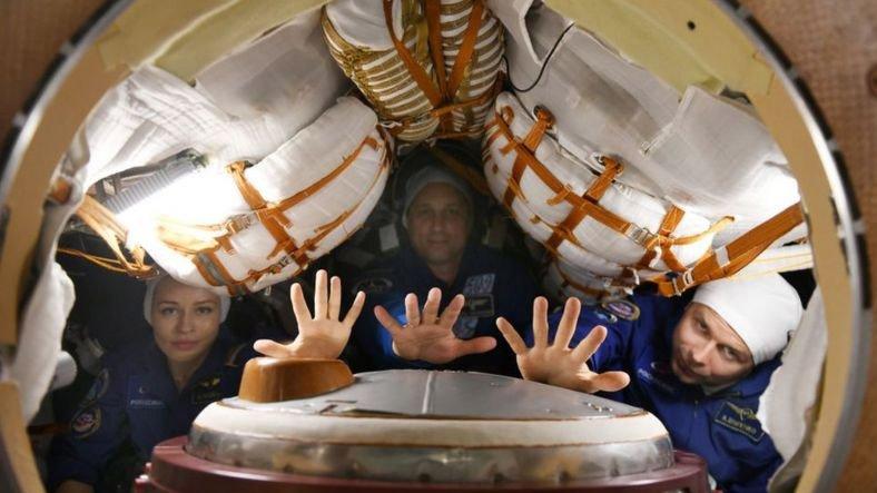 Uzayda İlk Filmi Çekecek Olan Rus Ekip, Bugün Fırlatıldı